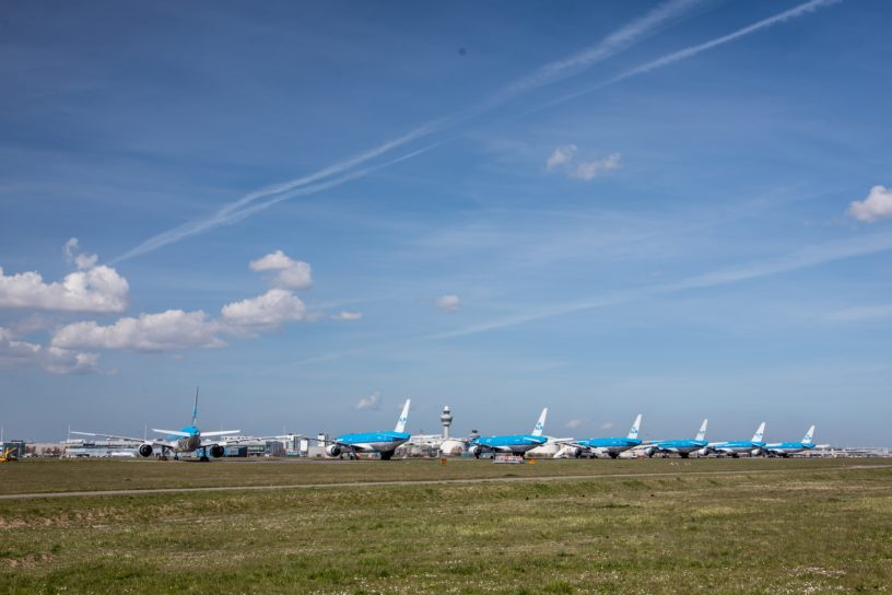 grparkeerde vliegtuigen