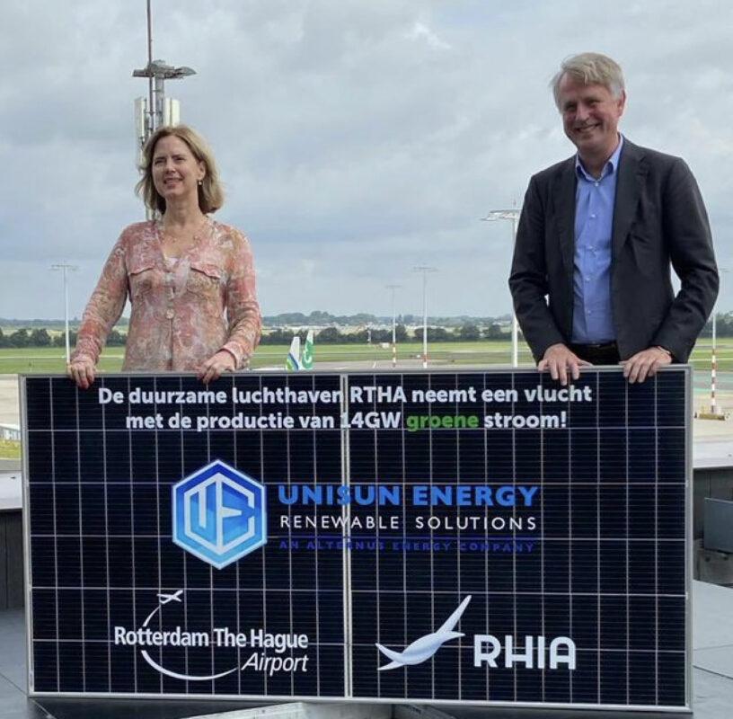 Minister Cora van Nieuwenhuizen werd vandaag voor schut gezet door onzorgvuldigheden van Dick Benschop's Schiphol Groep (foto via Twitter)